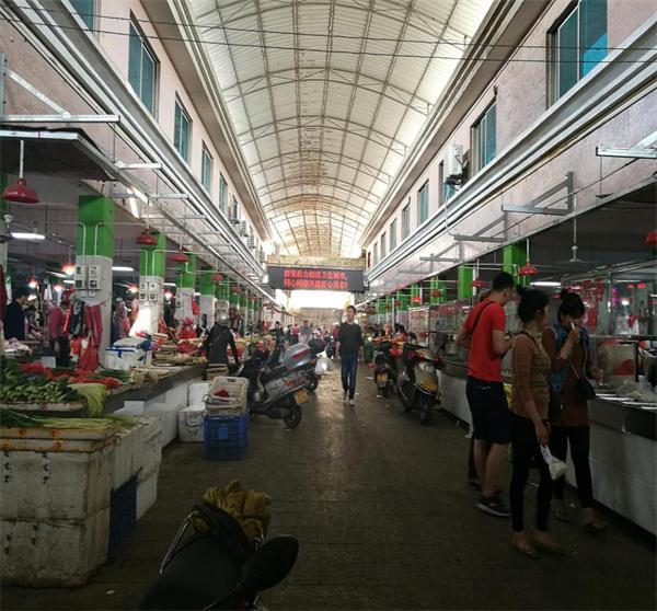 河西农贸中心市场内部改造前全景.jpg